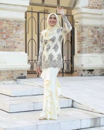MIREYAA KURUNG - SOFT YELLOW